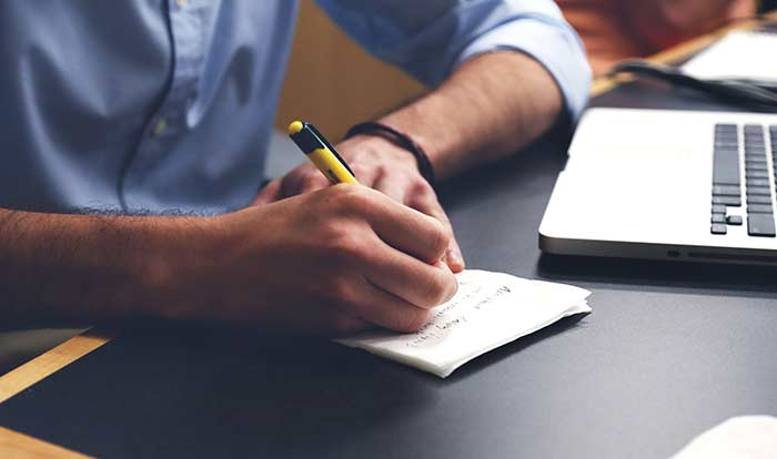 Cómo escribir un artículo de valor para tu página web profesional